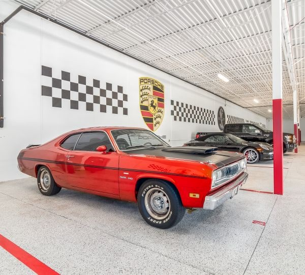 Classic and collector car storage facility offering short or long term commitments, climate controlled environment, 24/7 direct access and 24-hour video surveillance.